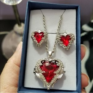Swarovski Elements Heart Pendant & Earrings NWT